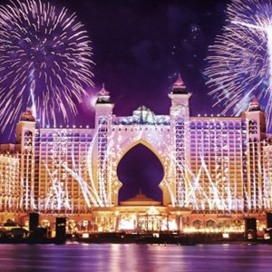 Atlantis-Dubai-palm-fireworks