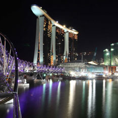Marina Bay Sands Singapore nightime views of the city