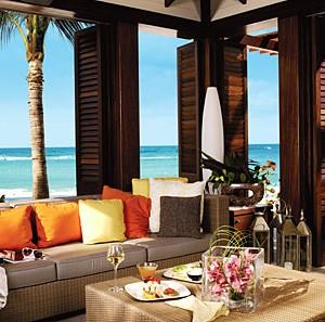 Atlantis-The-Cove-Sun-Lounge