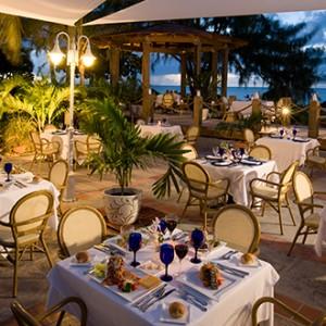 Beaches Turks - night dining