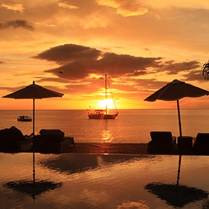 Buccament Bay - pool sunset