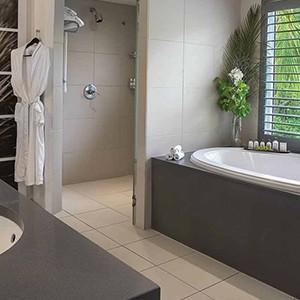 Carlisle Bay Antigua - Antigua Luxury Holidays - bathroom