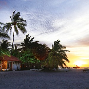 Diamonds Thudufushi - beach