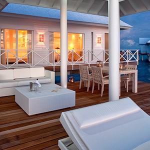 Diamonds Thudufushi - deck