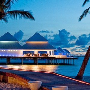 Diamonds Thudufushi - sunset