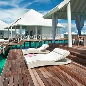 Diamonds Thudufushi - water terrace