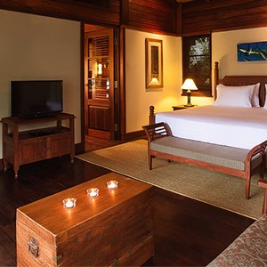 Enchanted Island Resort - Seychelles Luxury holiday - romantic bedroom