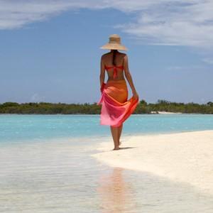 Four-Seasons-Bora-Bora-beach