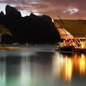 Four-Seasons-Bora-Bora-restaurant