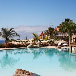 Gran Hotel Bahia Del Duque- pool area