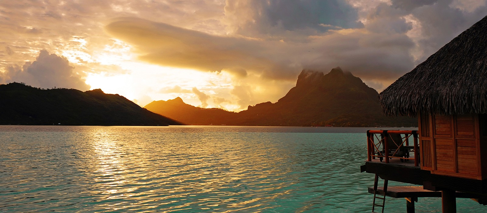 Header - Le Mona Intercontinental Bora Bora - Luxury Bora Bora Holidays