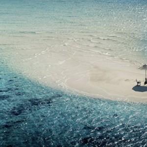 Kandolhu Island - beach dining