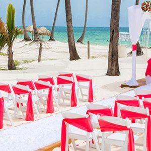 Luxury Dominican Republic Holiday Packages Dreams Palm Beach Punta Cana Beach Wedding Setup