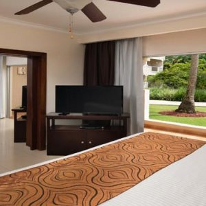 Luxury Dominican Republic Holiday Packages Dreams Palm Beach Punta Cana Preferred Club Honeymoon Suite With Jacuzzi Tropical View1