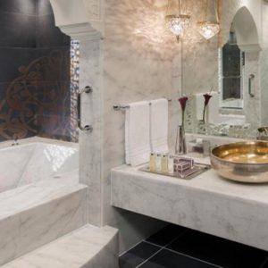 Luxury Dubai Holiday Packages Jumeirah Zabeel Saray Club King Room Bathroom
