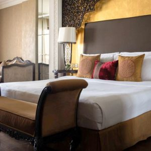 Luxury Dubai Holiday Packages Jumeirah Zabeel Saray Club King Room Bedroom1
