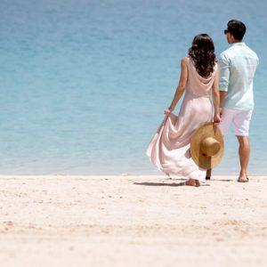 Luxury Dubai Holiday Packages Jumeirah Zabeel Saray Couples Romantic Stroll On Beach