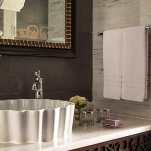 Luxury Dubai Holiday Packages Jumeirah Zabeel Saray Two Bedroom Suite Bathroom 2