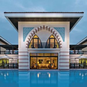 Luxury Dubai Holiday Packages Jumeirah Zabeel Saray Pool Exterior