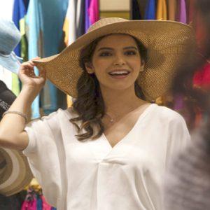 Luxury Dubai Holiday Packages Jumeirah Zabeel Saray Shopping At Al Dukan