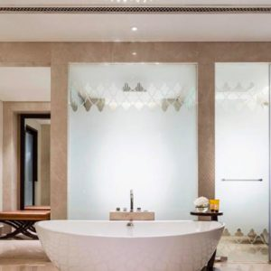 Luxury Dubai Holiday Packages One&Only The Palm Palm Manor Executive Suite Bath Room