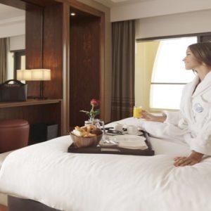 Luxury Dubai Holidays Amwaj Rotana 24 Hours In Room Dining