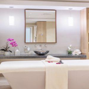 Luxury Dubai Holidays Amwaj Rotana Spa Treatment Room