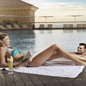 Luxury Dubai Holidays Amwaj Rotana Sundeck Pool Bar