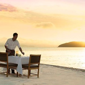 Luxury Holidays Australia - Quarry, Hamilton Island - Beach Dining