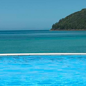 Luxury Holidays Australia - Quarry, Hamilton Island - Infinity Pool