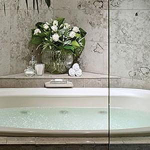 Luxury Holidays Australia - The Langham Melbourne - Bathroom