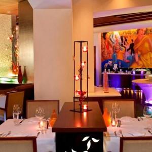 Luxury Holidays Bangkok - Royal Orchard Sheraton - Dining