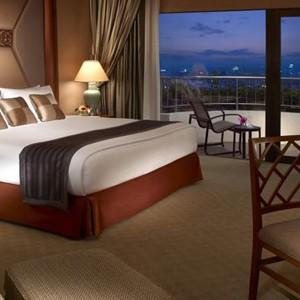 Luxury Holidays Bangkok - Shangri - La Hotel - Bedroom 1