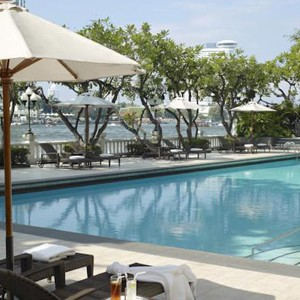 Luxury Holidays Bangkok - Shangri - La Hotel - Pool Sunbed