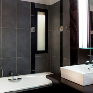 Luxury Holidays Bora Bora - Pearl Beach Resort - Bathroom