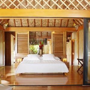 Luxury Holidays Bora Bora - Pearl Beach Resort - Bedroom