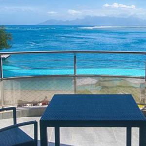 Luxury Holidays Bora Bora - Pearl Beach Resort - Terrace