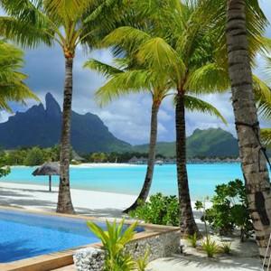 Luxury Holidays Bora Bora - St Regis Resort - Palm trees