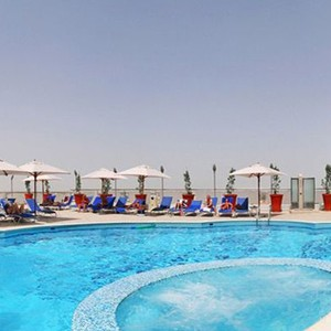Luxury Holidays Dubai - Towers Rotana - Pool