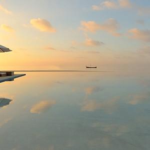 Luxury - Holidays - Maldives - Valassaru - Pool