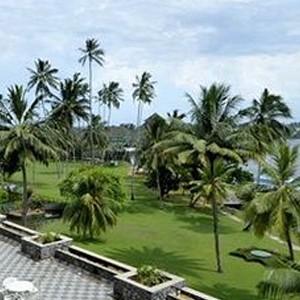 Luxury-Holidays-Sri-Lanka-Bentota-Beach-Hotel-Terrace-Patio
