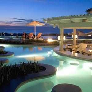 Luxury Holidays Turks & Caicos - Regent Palms - Pool Bar