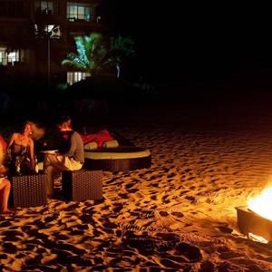 Luxury Holidays Turks - Gansevoort Hotel - Beach