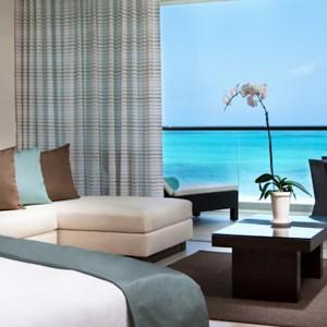 Luxury Holidays Turks - Gansevoort Hotel - Bedroom Interior