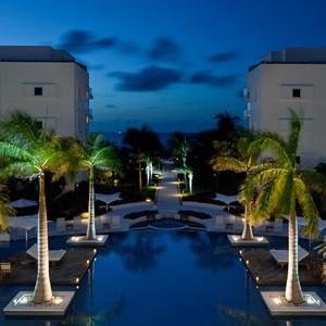 Luxury Holidays Turks - Gansevoort Hotel - Pool Exterior