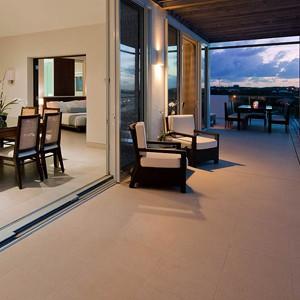Luxury Holidays Turks - Gansevoort Hotel - Terrace