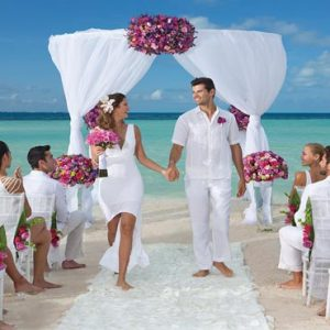 Luxury Mexico Holiday Packages Dreams Sands Cancun Resort And Spa Beach Weddings With Guests