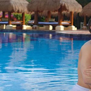 Luxury Mexico Holiday Packages Now Sapphire Riviera Cancun Couple By Pool