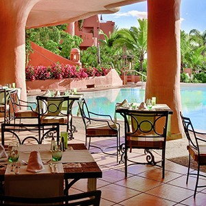 Luxury holidays tenerife - Sheraton La Caleta Resort - pool dining