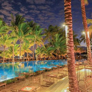 luxury Mauritius holiday Packages Mauricia Beachcomber Resort And Spa Bay Watch Bar